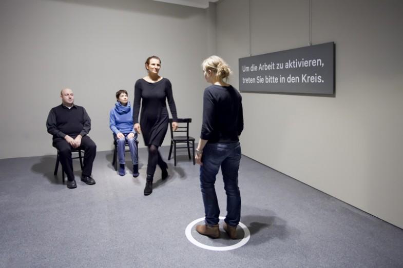 In Begleitung, Performance von Jens Heitjohann, im Rahmen von So
